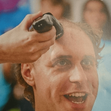 Cancer Research Brave the Shave - Claire Williams