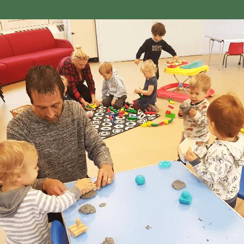 Tiny Tots Childminding - Surrey